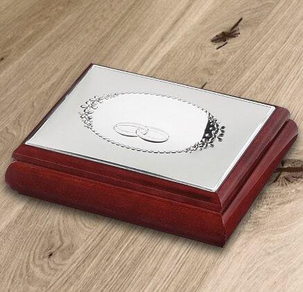Prezent na ślub, na rocznicę, na urodziny - srebrna szkatułka z obrączkami