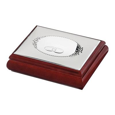Szkatułka z obrączkami ze srebrnym zdobieniem