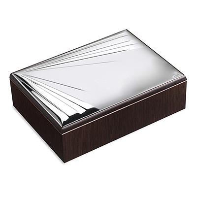 Ekskluzywna szkatułka ze srebrnym zdobieniem