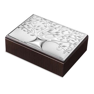 Szkatułka ze srebrnym zdobieniem